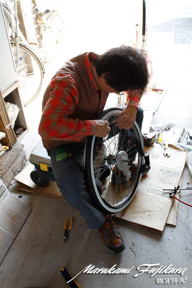 マルカミ>自転車タイヤ交換